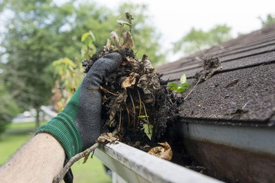 How to Prepare Gutters Ft. Myers FL for Severe Weather