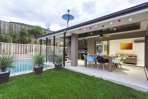 Retractable Screens: Your Fort Myers Insect Free Solution