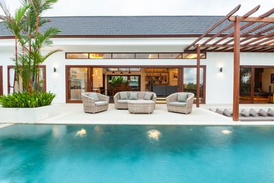 Enjoy the Fort Myers Sun with Outdoor Living Solutions