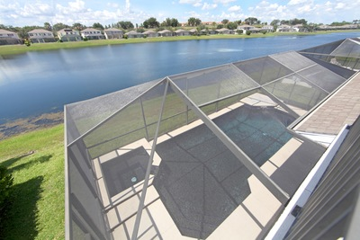 4 Signs Your Pool Enclosure Should Be Replaced